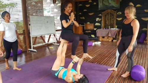 Parahita Yoga Teacher Training